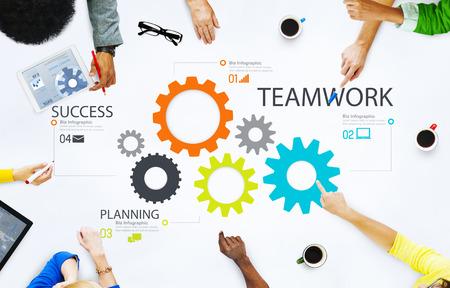 cooperacion: Asociación de engranajes Trabajo en equipo Grupo Equipo de Cooperación Concept