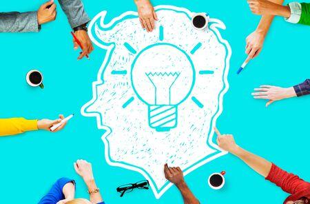 pensamiento creativo: Idea Creativa Creatividad imgination Innovate Concepto Pensamiento