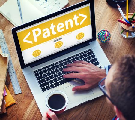 Patente digital en línea de marca, concepto de trabajo de oficina Foto de archivo - 41439939
