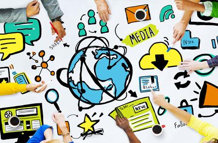 Diversiteit Casual People Media Technologie Brainstorming Concept Stockfoto