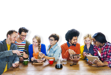 Diversiteit Casual Vergadering van het team brainstormen Vrolijke Concept Stockfoto