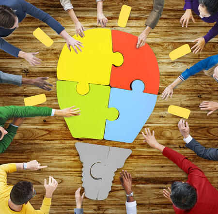 チームワークの協力サポート創造性の概念を働く人々 写真素材