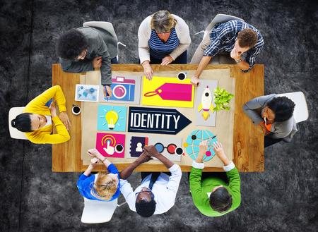 ブランド マーケティングのビジネス概念のブランドのアイデンティティ