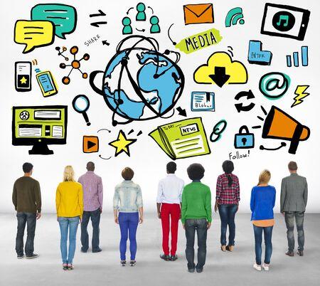 personas mirando: Diversity Casual People Looking up Global Technology Media Concept Foto de archivo
