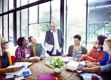 Diverse Casual Zaken mensen in een vergadering