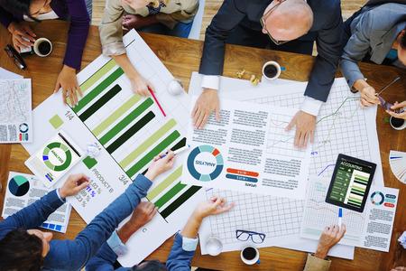 비즈니스 사람들이 회의 기업 분석 연구 오피스 개념 스톡 콘텐츠