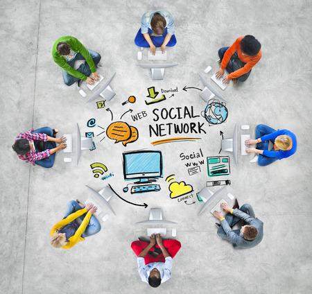 interaccion social: Red Social Social Medios de comunicaci�n Tecnolog�a de Computadores Concepto Foto de archivo