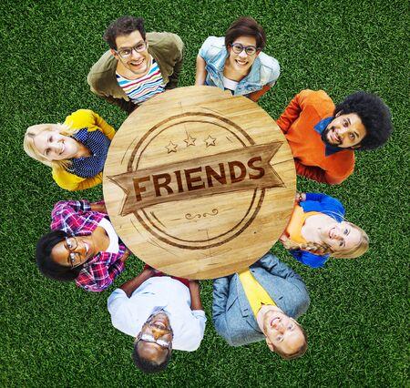 amicizia: Amici Amicizia Relazione amici Concetto Archivio Fotografico