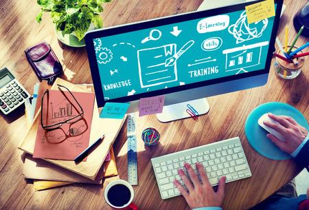 Conocimiento Formación de Habilidades de E-Learning Start Up Launch Concepto Foto de archivo - 41465102