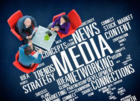 medios de comunicaci�n social: Concepto Social Media Medios de Comunicaci�n Tecnolog�a de red en l�nea