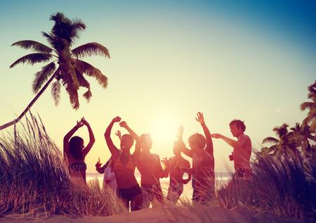 praia: Pessoas Celebration Beach Party Summer Holiday Vacation Concept Imagens
