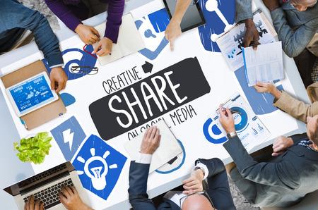 seguro social: Creative Share Social Media Social Network Internet Online Concept