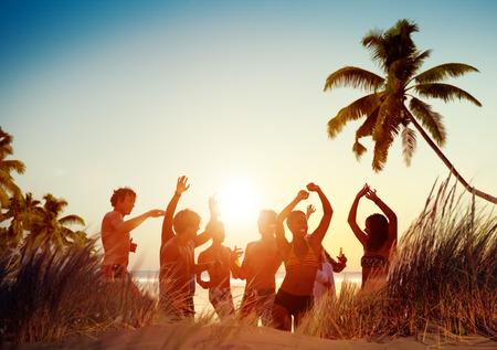 Persone Celebration Beach Party Estate concetto di vacanza per le vacanze Archivio Fotografico - 41863396
