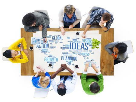 글로벌 인물 토론 독창성 아이디어를 만나는 개념 스톡 콘텐츠