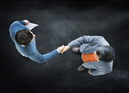 ビジネスマン握手企業パートナーシップの概念