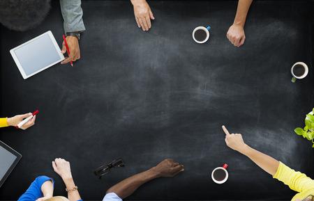 coordinacion: Visión aérea Gente de negocios Comunidad Planificación Lluvia Concepto Foto de archivo
