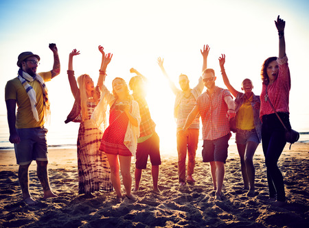 Fiesta: Adolescentes Amigos Beach Party Felicidad