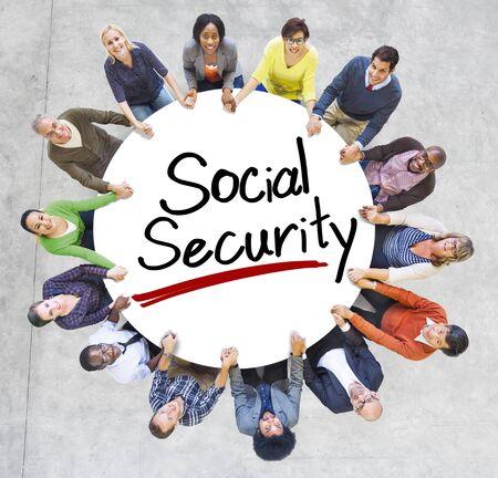 s�curit� sociale: Vue a�rienne des personnes et des concepts de s�curit� sociale Banque d'images