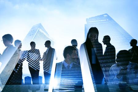 profesionistas: Gente de negocios silueta transparente Concepto de edificación