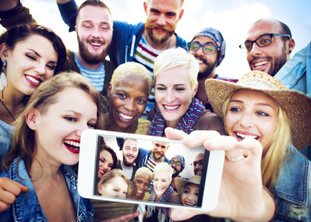 juventud: Felicidad selfie Amistad Beach Concepto verano Foto de archivo