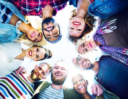 circulo de personas: Felicidad Huddle Amistad Beach Concepto verano