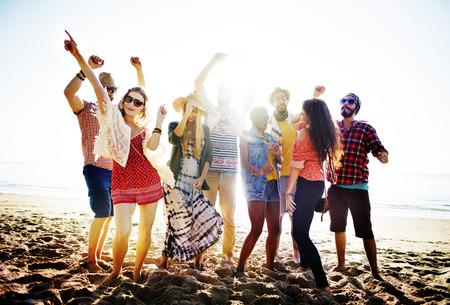 Teenager Freunde Beach Party Happiness Konzept Standard-Bild - 41940364