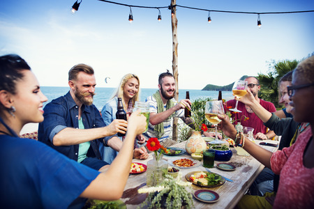 Beach Cheers Celebration Friendship Summer Fun Dinner Concept Zdjęcie Seryjne - 41940411