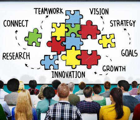 zweisamkeit: Teamwork Team Collaboration Verbindung Zusammenhalt Konzept Lizenzfreie Bilder