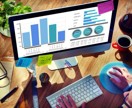 Stratégie de marketing Internet en ligne Concept Recherche Banque d'images - 42785776