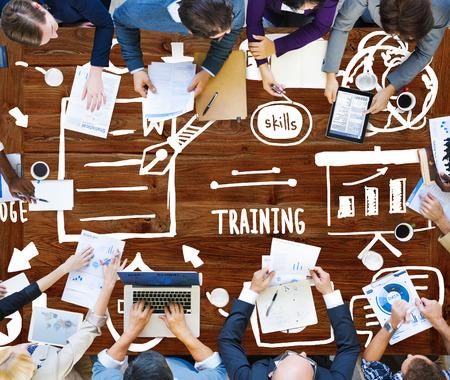 conocimientos: Conocimiento Formaci�n de Habilidades de E-Learning Start Up Launch Concepto