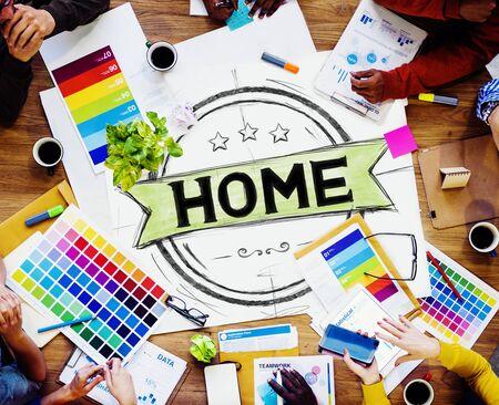 trabajando en casa: Concepto Hogar residencial familiar Sala de Cámara Foto de archivo