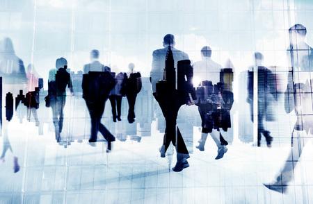grupos de personas: Gente de negocios Hora punta Corta De trayecto City Concepto