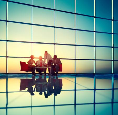 사업 팀 토론 모임 기업의 개념 스톡 콘텐츠