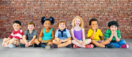 어린 아이 명랑 다양성 행복 그룹 개념 스톡 콘텐츠