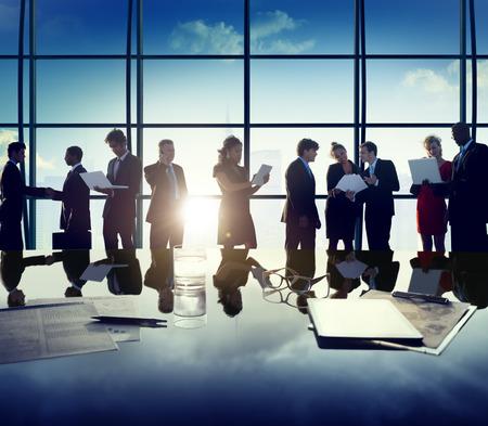 비즈니스 기업 사람들이 디지털 장치 회의 개념 스톡 콘텐츠