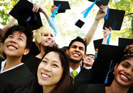 graduacion: Graduación de Estudiantes de la Universidad de Inicio Grado Concepto Foto de archivo