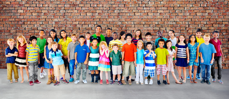 amicizia: Bambini Bambini Infanzia Amicizia Felicit� diversit� Concetto