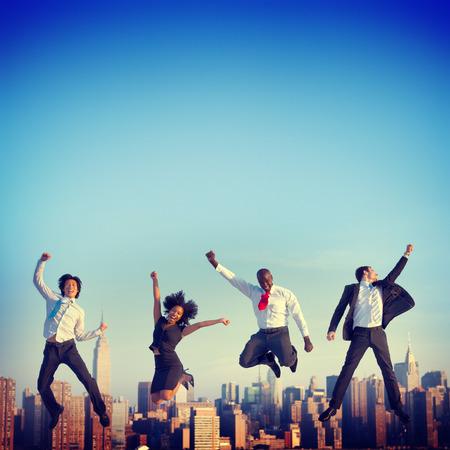 exito: Logro Gente de negocios �xito City Concepto Foto de archivo