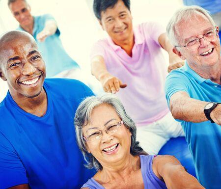 gezonde mensen: Groep Healthy People Fitness Oefenen Concept Stockfoto
