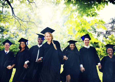 graduado: Graduación de Estudiantes de la Universidad de Inicio Grado Concepto Foto de archivo