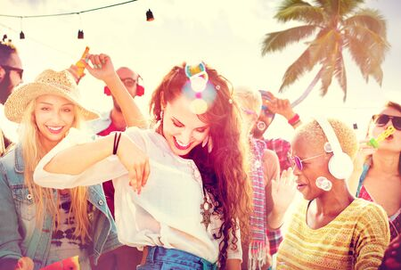 ragazze che ballano: Friendship Dancing Bonding Beach Happiness Joyful Concept