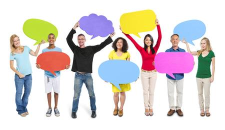 Gruppe Freunde Stellungnahme Speech Bubbles Expression Konzept