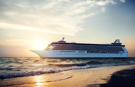 요트 크루즈 선박 바다 바다 열대 경치 개념 스톡 콘텐츠