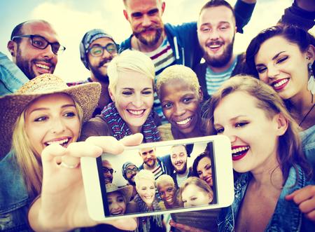 우정 Selfie 행복 비치 여름 개념 스톡 콘텐츠