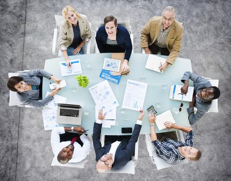reunion de trabajo: Equipo Negocios Discusión Reunión Analizar Concepto Foto de archivo