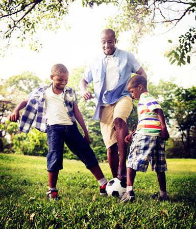 afroamericanas: Familia africana de vacaciones Felicidad Holiday Actividad Concept