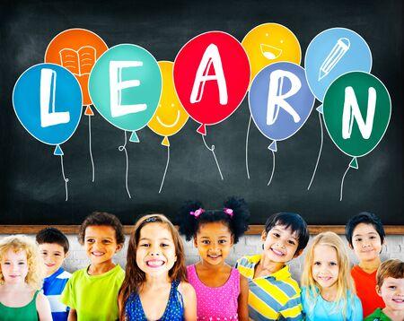 niños estudiando: Concepto Estudiar Educación Estudiante Conocimiento Aprender