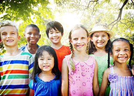 Children Friendship Togetherness Smiling Happiness 版權商用圖片 - 44466340