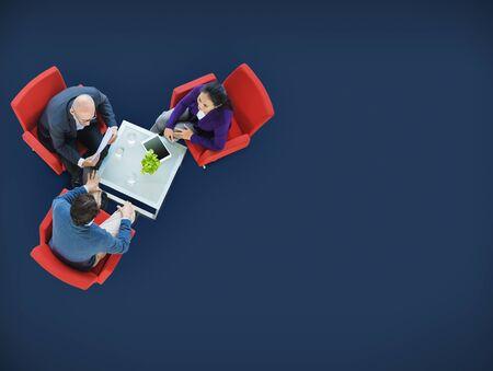 trabajo en equipo: Lluvia de ideas Planificación Estrategia Trabajo en equipo Colaboración Concepto Foto de archivo