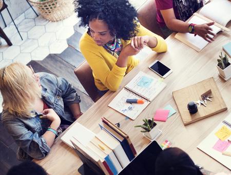 디자이너 팀워크 브레인 스토밍 계획 회의 개념 스톡 콘텐츠